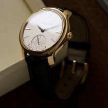 H.Moser & Cie. Yellow gold Manual winding pre-owned Endeavour