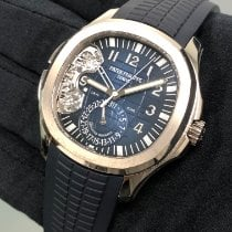 Patek Philippe Aquanaut White gold 40.8mm Blue Arabic numerals United States of America, New York, Manhattan