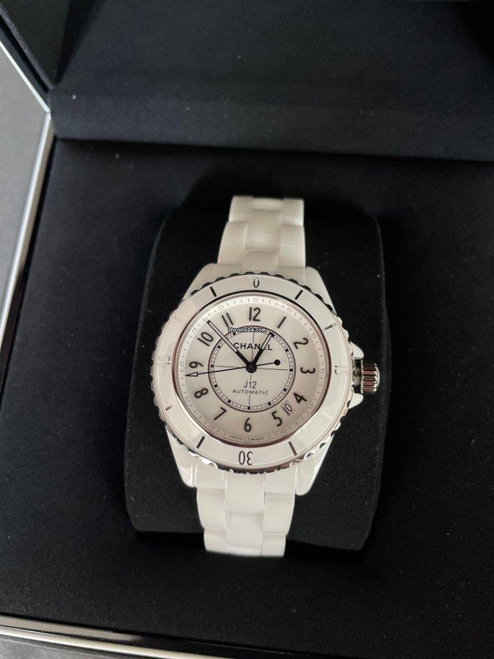 Chanel J12 H5700 neu