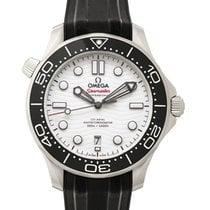 Omega (オメガ) シーマスター ダイバー 300 M 新品 2021 自動巻き 正規のボックスと正規の書類付属の時計 210.32.42.20.04.001