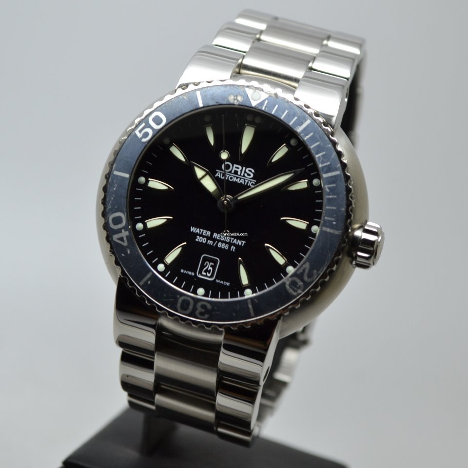 Oris Divers Date 200-300M Black 44mm Steel Automatic Serviced