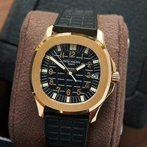 Patek Philippe Aquanaut Yellow gold 35,5mm Black