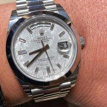 Rolex Day-Date 40 Platino 40mm Plata Romanos