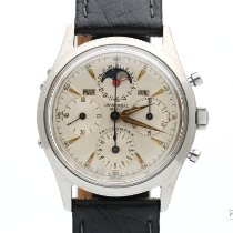 Universal Genève Compax pre-owned