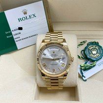 Rolex Day-Date 40 pre-owned 40mm Silver Yellow gold
