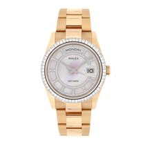Rolex Day-Date Rose gold 36mm Mother of pearl No numerals