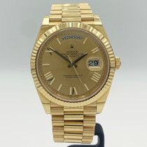 Rolex Day-Date 40 pre-owned 40mm Gold Date Yellow gold