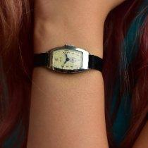 Cushion Shaped Women's Wristswatch 1964 usados