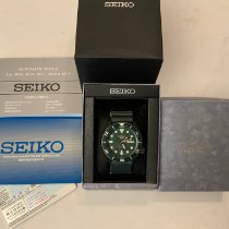 Seiko 5 Sports pre-owned 42.5mm Green Date Textile