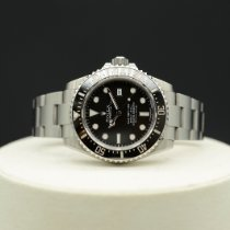 Rolex Sea-Dweller 4000 116600 2015 pre-owned