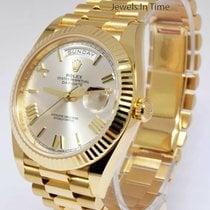 Rolex Day-Date 40 Zuto zlato 40mm Boja šampanjca Rimski brojevi