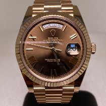Rolex Day-Date 40 Ruzicasto zlato 40mm Smedj Rimski brojevi