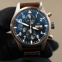IWC Pilot Mark pre-owned 40mm Blue Date Leather