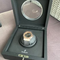 Hublot Classic Fusion Chronograph gebraucht 42mm Grau Krokodilleder