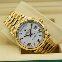 Rolex Day-Date 40 pre-owned 40mm White Date Yellow gold