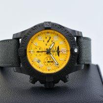 Breitling Avenger Hurricane Titan 45mm Gelb Arabisch