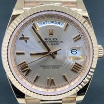Rolex Day-Date 40 Or rose 40mm Rose Romains