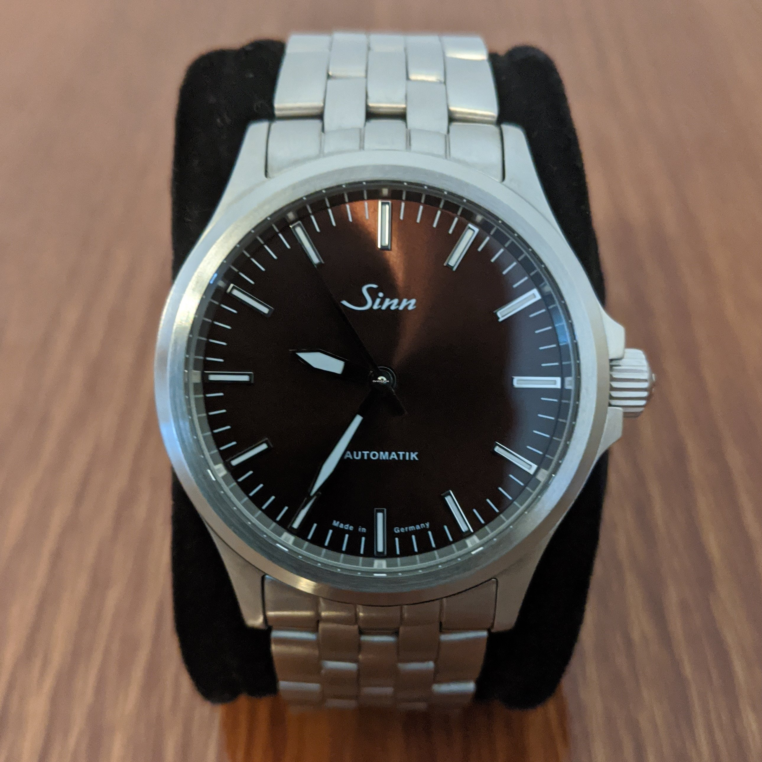 Sinn 556 I M for £891 for sale from a Private Seller on Chrono24