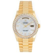 Rolex Day-Date 36 pre-owned 36mm Mother of pearl Yellow gold