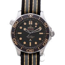 Omega Seamaster Diver 300 M Titán 42mm Barna