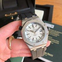 Audemars Piguet Royal Oak Offshore Diver Stahl 42mm Silber Keine Ziffern