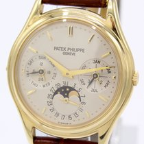 Patek Philippe Perpetual Calendar Yellow gold 36mm Silver