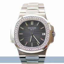 Patek Philippe 5713/1G-010 White gold 2011 Nautilus 40mm pre-owned