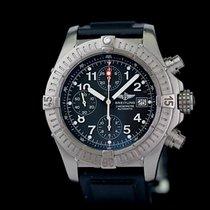 Breitling Avenger gebraucht 44mm Schwarz Chronograph Datum Titan