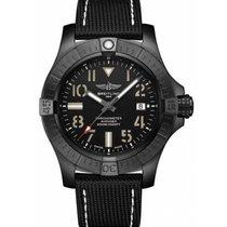 Breitling Avenger Seawolf Titan 45mm Schwarz