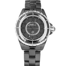 Chanel J12 H3828 2015 pre-owned