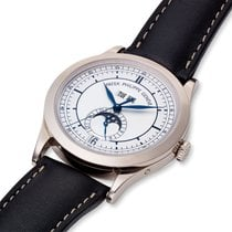 Patek Philippe Annual Calendar White gold 38mm Silver United States of America, Massachusetts, Chatham