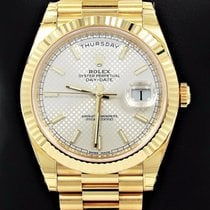 Rolex Day-Date 40 Oro amarillo 40mm Plata