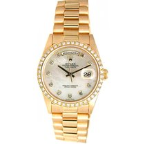 Rolex Day-Date 36 Or jaune 36mm Nacre
