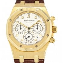 Audemars Piguet Royal Oak Chronograph Yellow gold 39mm White No numerals United States of America, New York, New York