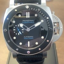 Panerai Luminor Submersible begagnad 42mm Svart Datum Naturgummi