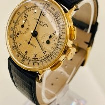 Universal Genève pre-owned Manual winding 35mm Gold Plexiglass Not water resistant