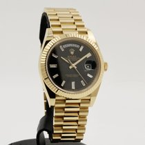 Rolex Day-Date 40 Yellow gold 40mm Black No numerals