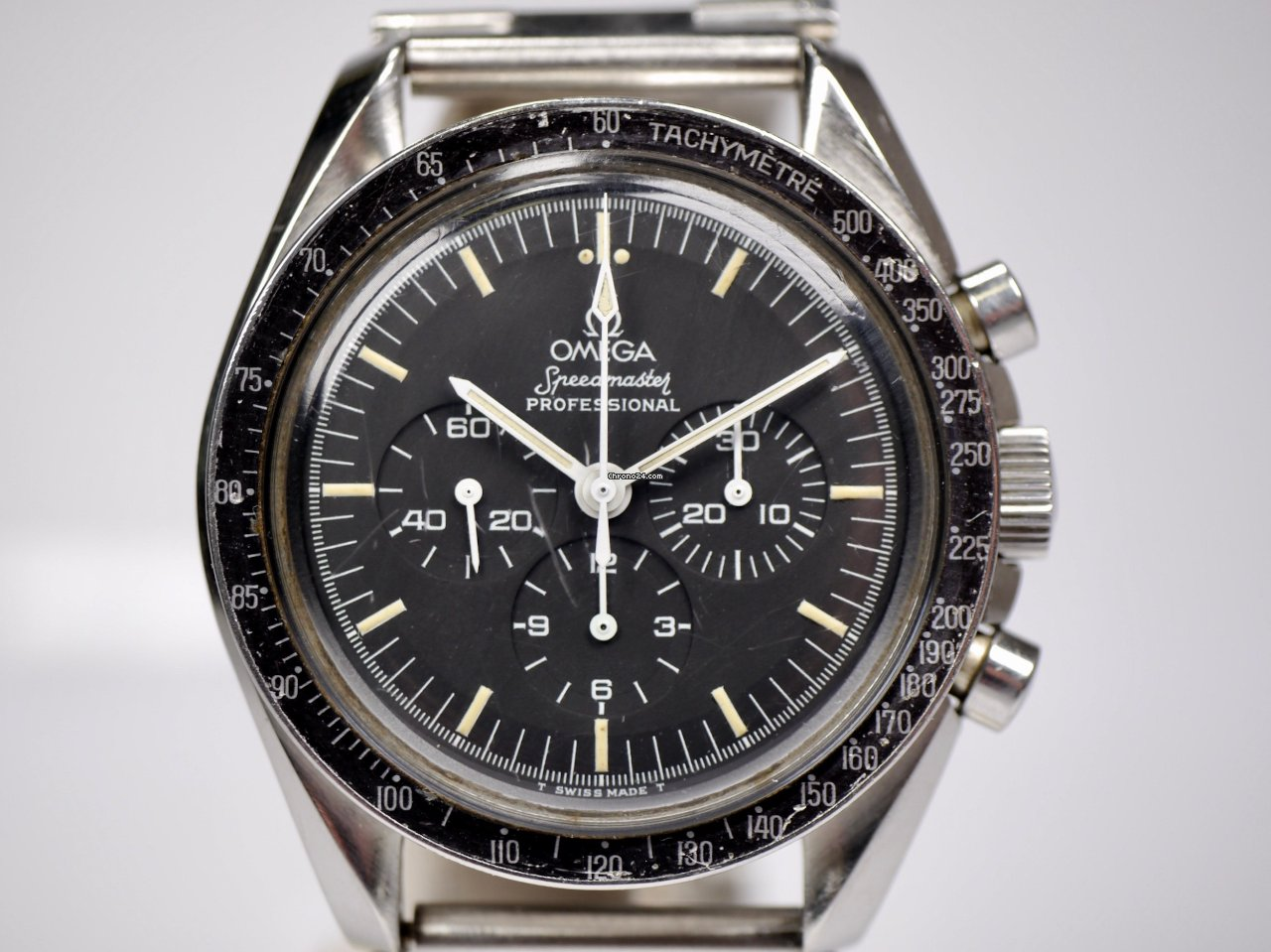 Omega Speedmaster Professional Moonwatch 105.012-65 1967 pre-owned