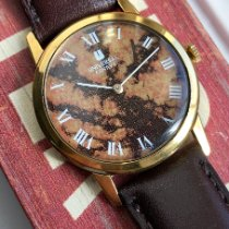 Universal Genève pre-owned Manual winding Gold