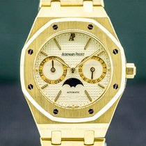 Audemars Piguet Royal Oak Day-Date Yellow gold 36mm White