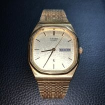 Citizen pre-owned Quartz Gold