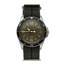 Bell & Ross BR V2 pre-owned 42mm Green Date Textile