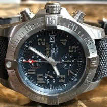 Breitling Avenger Bandit Титан 45mm Cерый Aрабские