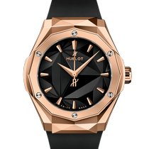 Hublot Classic Fusion 45, 42, 38, 33 mm Rose gold 40mm Black No numerals United States of America, New York, New York City