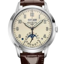 Patek Philippe Perpetual Calendar White gold 40mm Champagne Arabic numerals United States of America, New York, Brooklyn