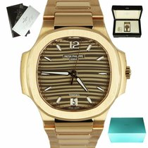 Patek Philippe Nautilus new Automatic Watch with original box and original papers 7118