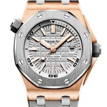 Audemars Piguet Royal Oak Offshore Diver Roségull 42mm Grå