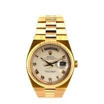 Rolex Day-Date Oysterquartz Oro amarillo 36mm Blanco