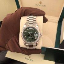 Rolex Day-Date 40 gebraucht 40mm Grün Datum Wochentagsanzeige Weißgold
