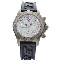 Breitling Avenger pre-owned 45mm White Chronograph Date Rubber